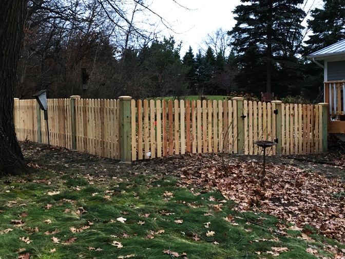 Building quality 4 foot wood fences around the Twin Cities |
