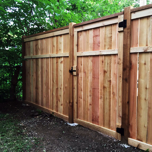 Building quality wood Cap & Rail fencing in Twin Cities